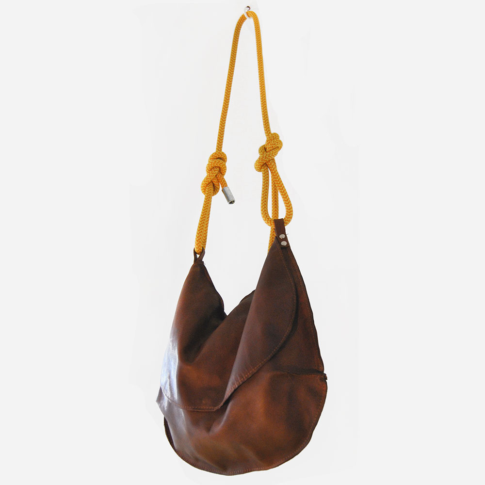 BEAUTIFICATIONproject cognac bag